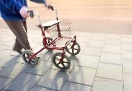 Como elegir un andador para personas mayores